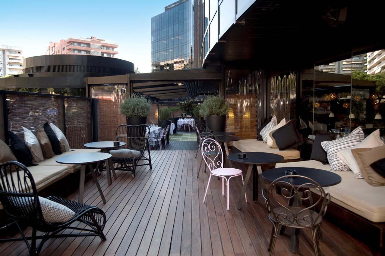 Las mejores terrazas de barcelona para disfrutar del buen for Terrazas de hoteles en barcelona