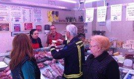 Los Bomberos de Madrid ayudan a cientos de familias a comprar alimentos con crowdfunding en Teaming