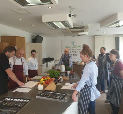 La Escuela Superior de Hostelería de Barcelona viaja a Maldon para conocer la producción de la sal en escamas®