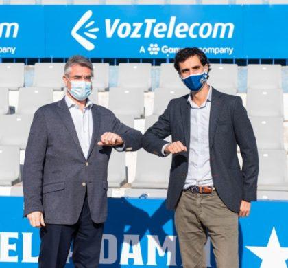 El Centre d'Esports Sabadell FC y VozTelecom firman un nuevo acuerdo de patrocinio hasta el 2021
