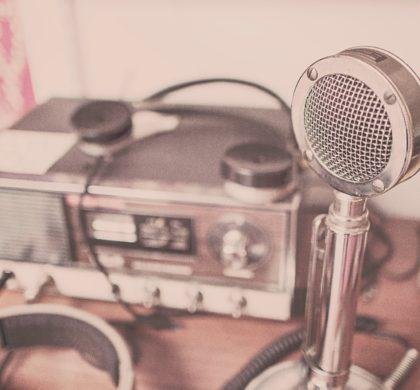 La radio, un medio de comunicación tradicional que sigue enamorando a oyentes en plena era digital