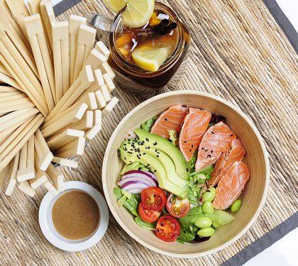 Ensaladas de Tataki y Pollo Teriyaki las refrescantes propuestas de GO! Sushing Les Corts para el verano