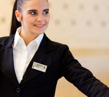 Booking.com refuerza su apoyo a los hoteles españoles con su participación en la Escuela Internacional de Recepcionistas de Hotel