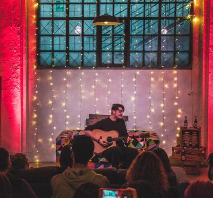 BASIK SESSIONS: Tres artistas, un sofá y música en estado puro