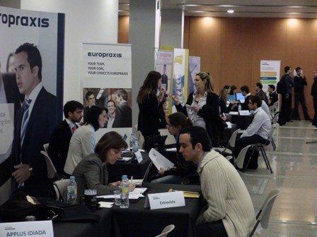35 empresas multinacionales captarán talento entre 500 jóvenes universitarios de Barcelona