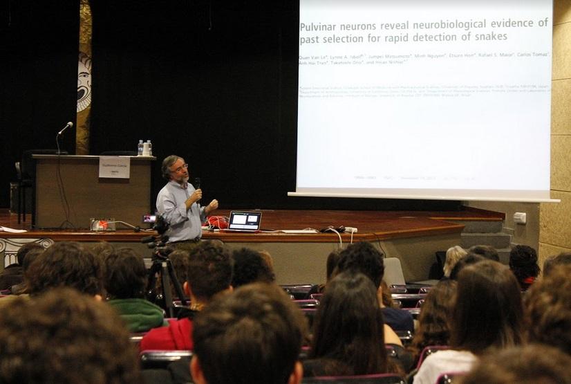 Alumnos de bachillerato de Barcelona organizan un Simposio de Biología y Medicina con científicos de gran nivel