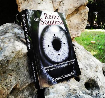Reino de Sombras, una novela sobre el escándalo de la pederastia en España