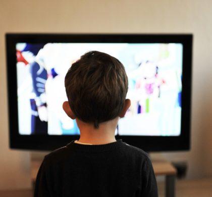 La nueva programación de televisión en abierto se enfoca hacia el uso de la doble pantalla