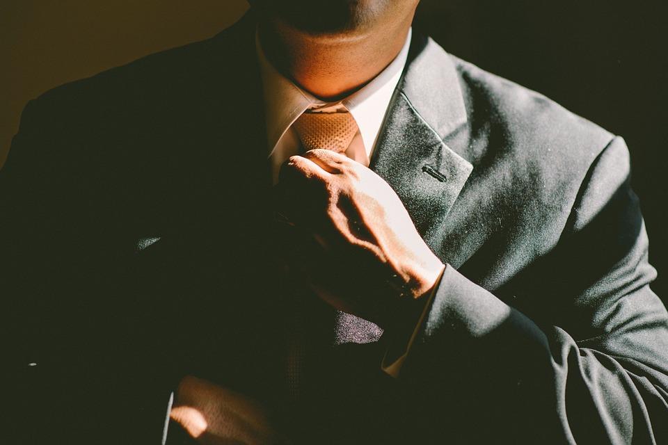 Pyme busca dircom: requisitos que no pueden faltar