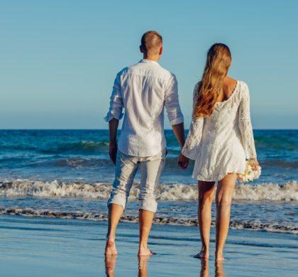 El 61% de los españoles ha tenido alguna vez un 'amor de verano' y casi el 80% de quienes buscan pareja quiere enamorarse durante las vacaciones 2019