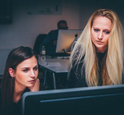 Las mujeres lideran el sector de la comunicación